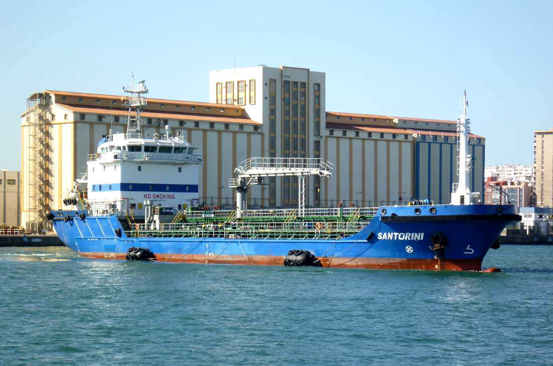ship-Santorini