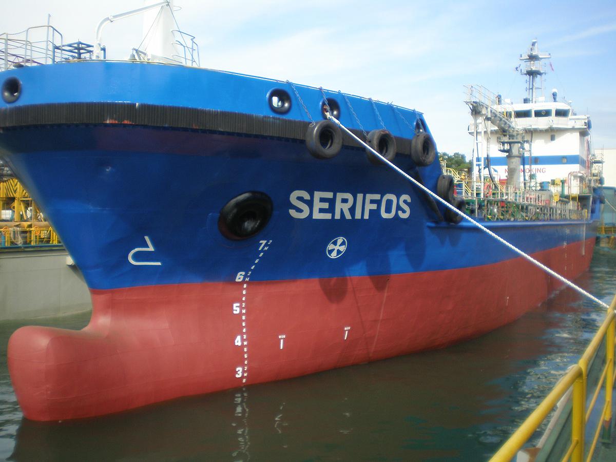 ship-Serifos